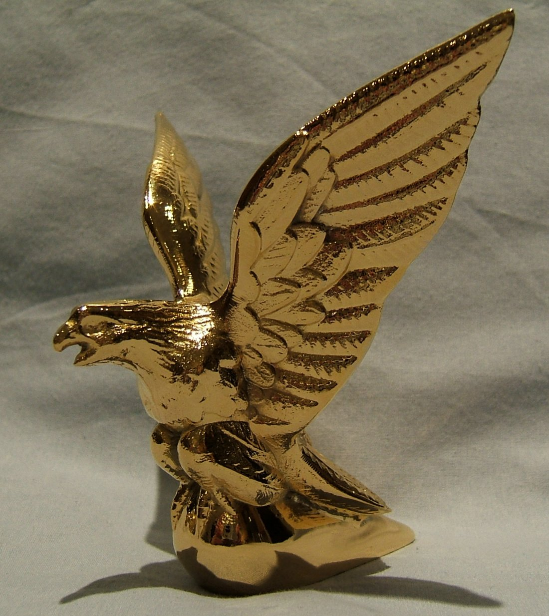 Small Eagle Bonnet Mascot -Gold Plated