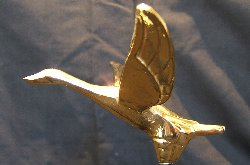 Small Flying Goose Bonnet Mascot -Gold Plated