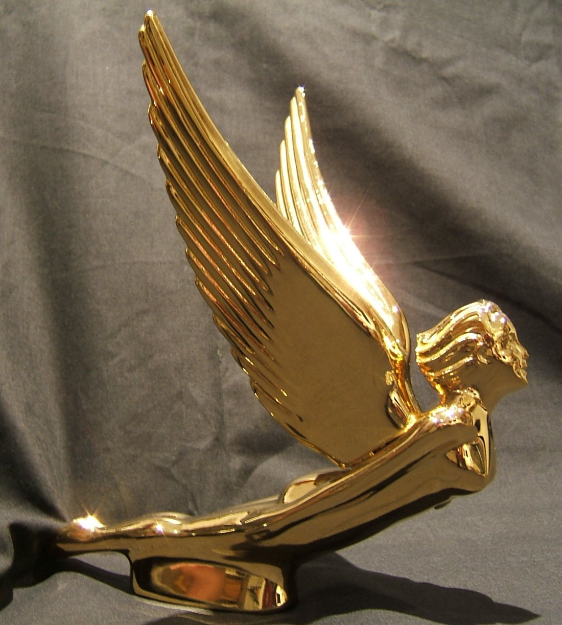 Flying Goddess Bonnet Mascot with Ridged Wings-Gold Plated